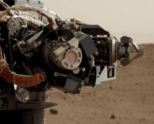 La autofoto de Curiosity Mars Science Laboratory de su brazo robótico en el planeta Marte