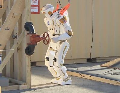 imagen y foto del robot humanoide Valkyrie de la NASA para misiones espaciales en el Planeta Marte