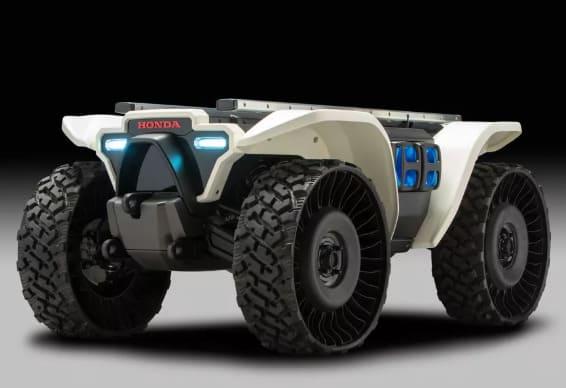 imagen y foto del robot E3-D18 de honda par reconocimiento y rescate con inteligencia artificial